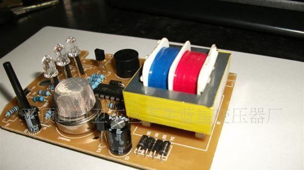 环形变压器比其他形式的变压器有很多优点