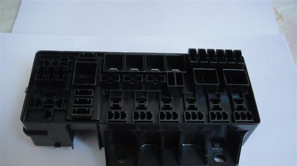 供应汽车连接器 孔式接头3724030 G02 优质供应商厂家直销高清图片