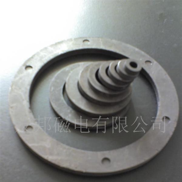 种类: 磁敏  详细介绍 企业详情 传感器磁环是用铁氧体磁粉和树脂(pa6