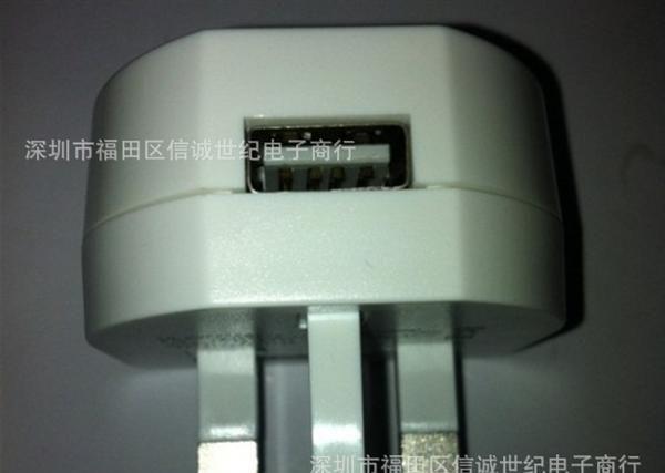 高性能iphone苹果手机车载充电器 带usb汽车充电器 子弹头充电器