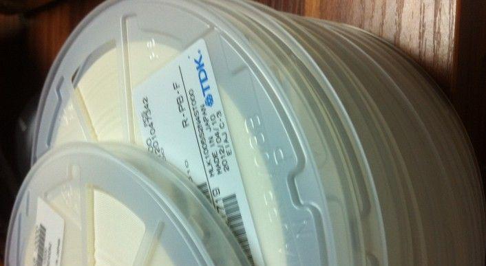 供应贴片电容电阻高精密电阻合金电阻0.1% 0.5%