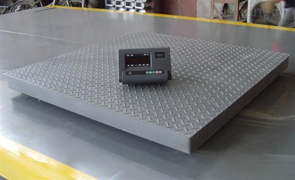 展小编就把电子磅传感器更换的正确步骤写一下: 1,首先得把地磅翻过