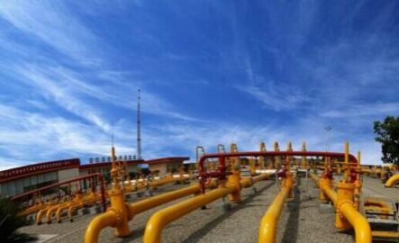 国网甘肃检修公司14台油气实验仪器完成自校检工作