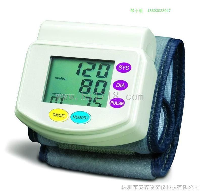 电子腕式血压计