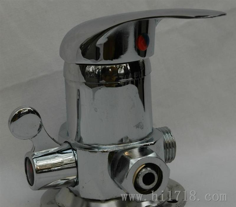 > 厂家专业生产rtf-4a型带铝塑管接混水阀 > 高清图片图片