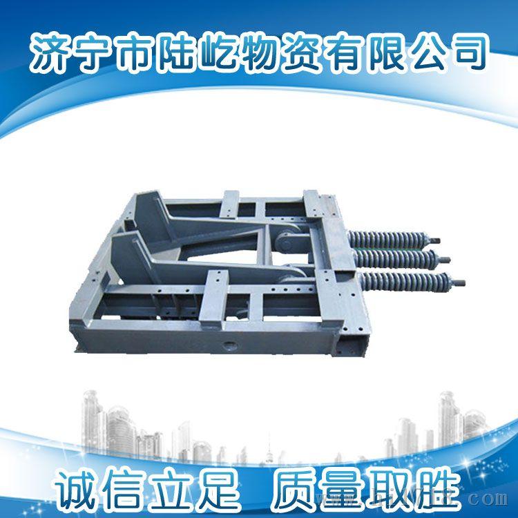 有效地保护矿车2.使用寿命长3.利用重锤控制勾爪实现常闭,安全可靠4.