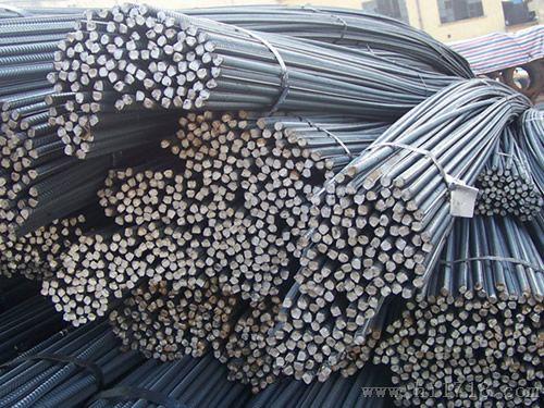 螺纹钢与光圆钢筋的区别:螺纹钢与光圆钢筋的区别是表面带有纵肋