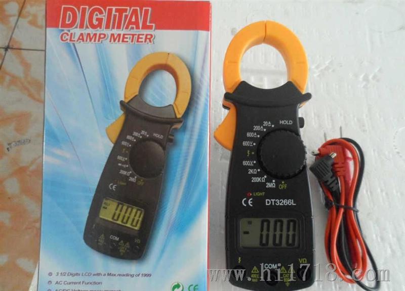 产品型号:VC3266L *[功能]-----[量程]-----[准确度] *直流电压: 600V 【±(0.8%+3dgt)】 *交流电压: 450V【±(1.2%+5dgt)】 *交流电流: 20-200-400A 【±(2%+5dgt)】 *电 阻: 2K-200K-2MΩ 【±(1.0%+3dgt)】 *特殊功能 ·3 1/2 数字液晶屏, *最大显示值1999 · *多用途钳形电流表可以测量交/直流电